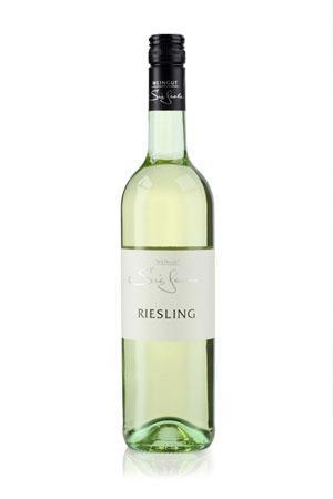 Weinflasche Riesling. Unverwechselbar im Geschmack, Mineralität, Granitgestein.